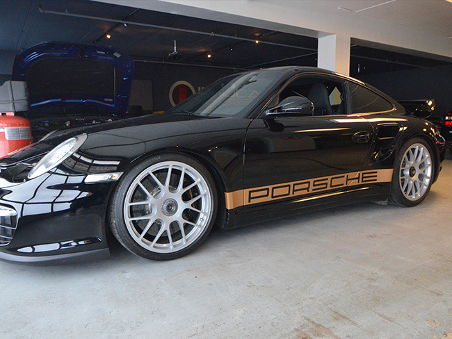 Custom Vehicle Wrap_Porsche Stripe