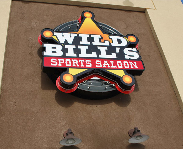 Illuminated Signs_WildBills