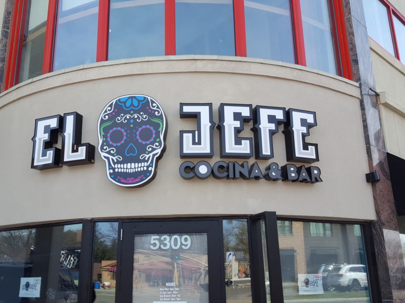 Illuminated Signs_El Jefe