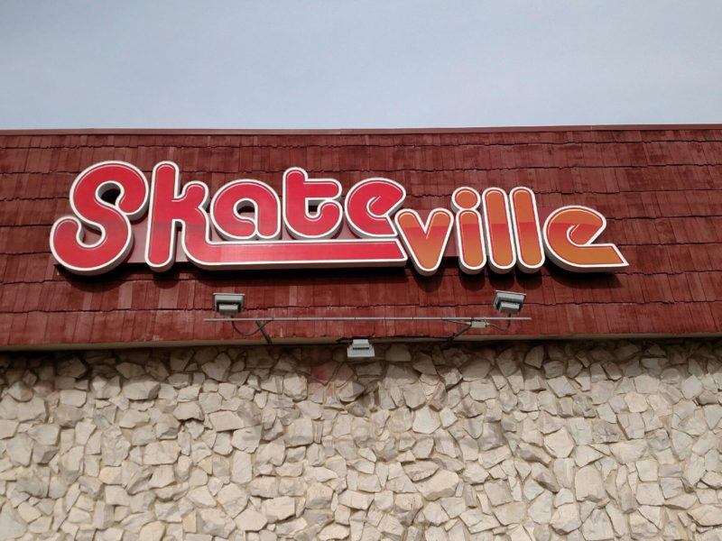 Skateville - Illuminated Cabinet Sign